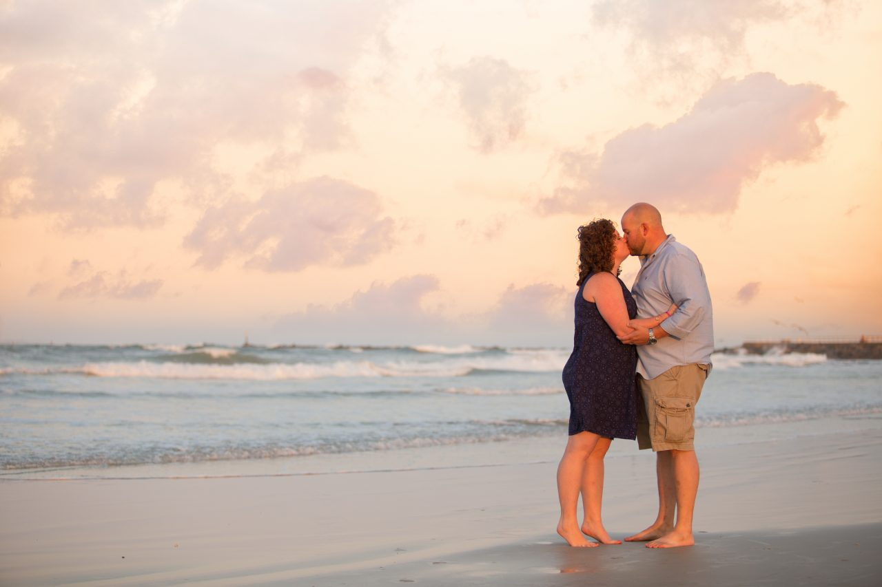 couple photography ponce inlet, photographer in orlando, professional photographer ormond beach, Orlando Beach Photographer, photography services orlando, Lake mary photographer